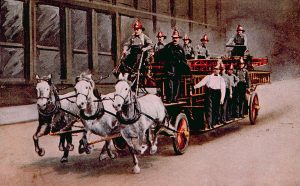 horse-drawn-fire-engine-on-the-way-everett (2)